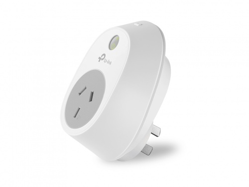 TP-LINK HS100 Smart Wi-Fi Plug SWITCH Turn electronics on or off from anywhere via Tablet or Phone